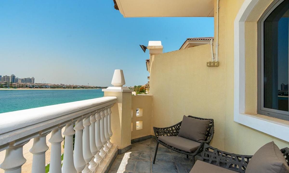 Дом на берегу моря дубай цена квартиры на кипре