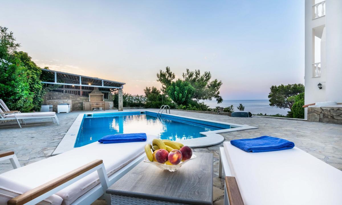 Недвижимость и греции