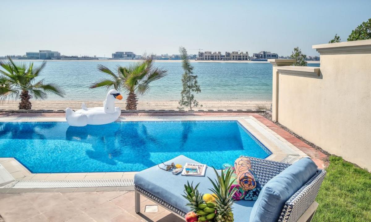 Аренда виллы в дубае на берегу моря купить отель во франции