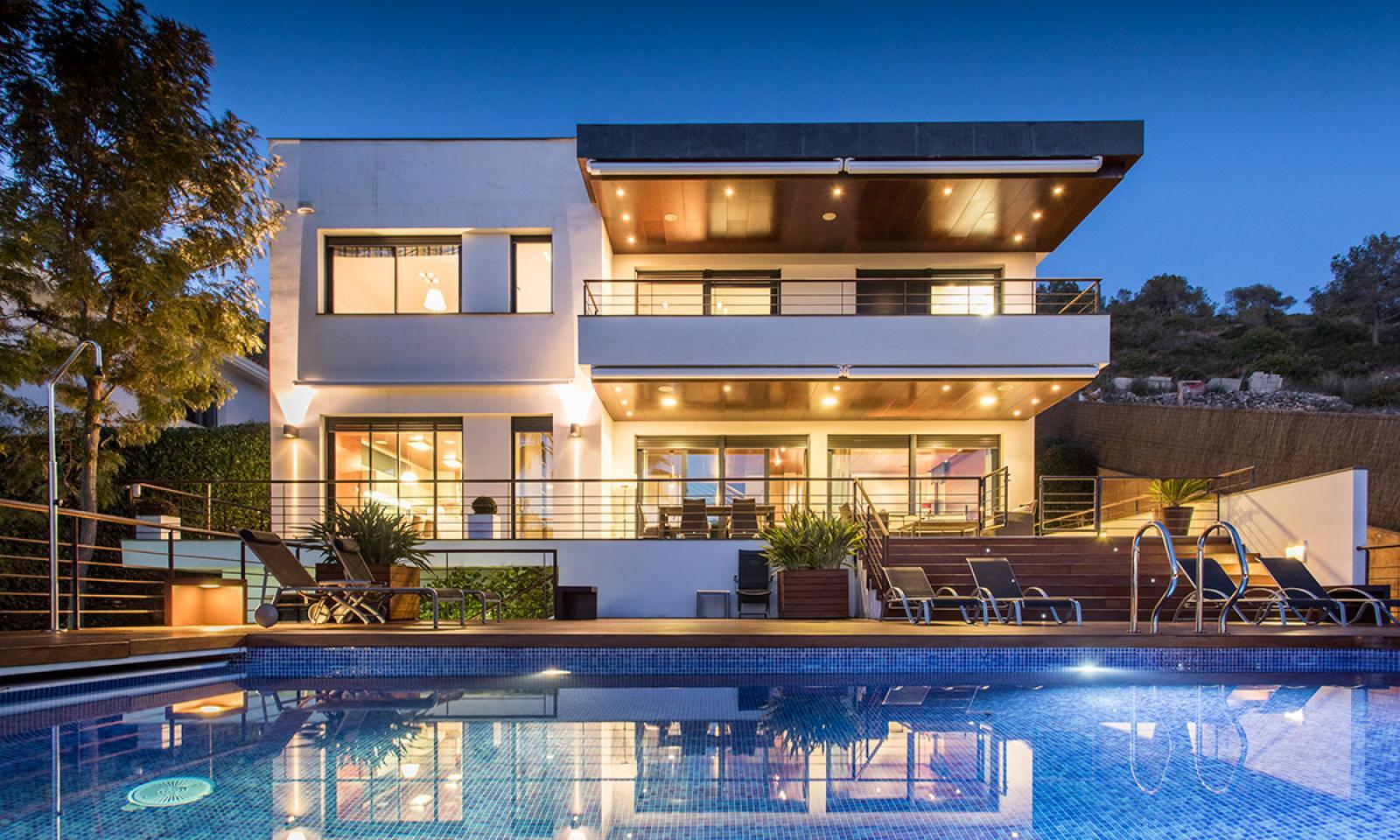 Снять виллу в барселоне цены на недвижимость в дубае 2020